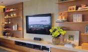 estante-tv-painel-madeira-laca-bege-decoracao-assim-eu-gosto